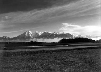 Kultura Slovenija - Njive pod gorami