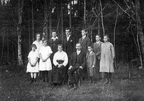 Mišjakovi iz Boričevega nekaj pred vojno