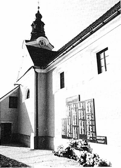 Župna cerkev Sv. Jerneja z imeni pobitih domobrancev