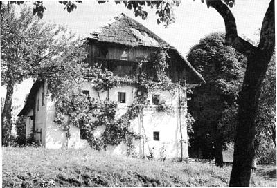 Rodni dom, hiše očetove streha