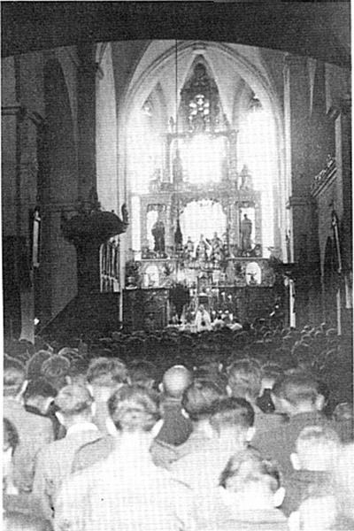 Domobranci v Vetrinjski cerkvi pred odhodom v smrt