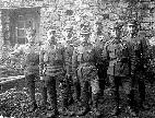Franc Ložar (prvi z leve) v prvi svetovni vojni