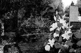 Obnovljeni grob dr. Lamberta Ehrlicha in Viktorja Rojica
